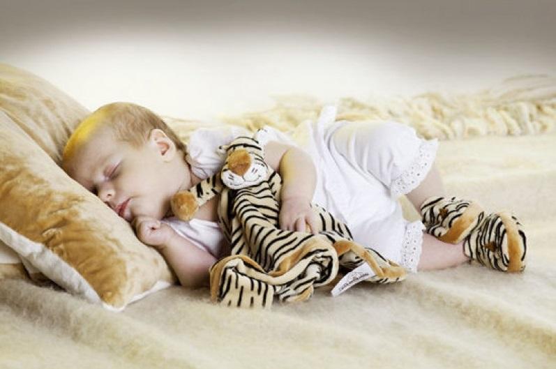 14872-tygrysek-kocyk-przytulanka-2-800x800