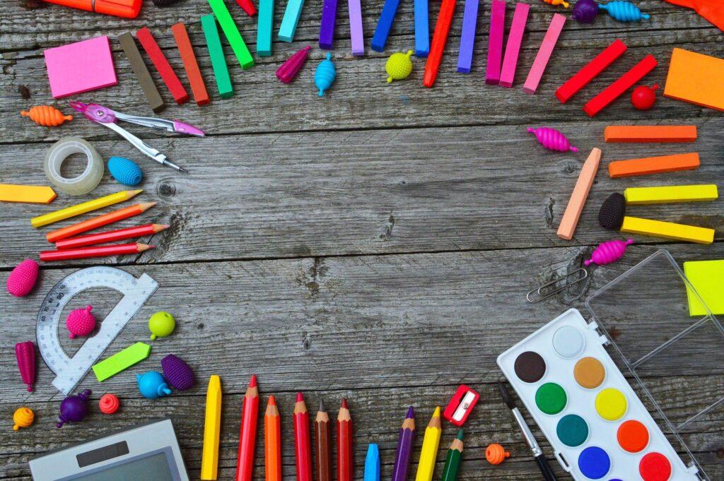 Kreatywne przybory dla małego artysty