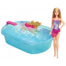 Barbie DMC32 Pływający Piesek z basenem i lalką