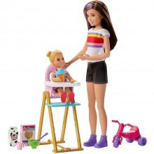 Barbie - Lalka Skipper Opiekunka - Zestaw z krzesełkiem do karmienia – GHV87