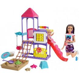 Barbie - Lalka Skipper Opiekunka - Zestaw z placem zabaw - GHV89