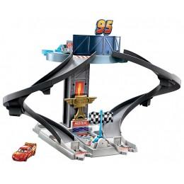 Auta Cars – Wieża wyścigowa Zadoluks + samochodzik – GJW42