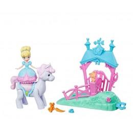 Hasbro Disney Magical Movers E0249 Kopciuszek z kucykiem i stajnią