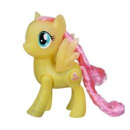 Hasbro My Little Pony E0686 Świecące kopytka - pegaz Fluttershy