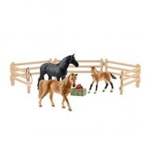 Schleich - Konie rasy Tennessee Walker na pastwisku - 42391