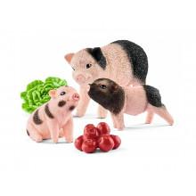 Schleich - Farm World - Miniaturowa locha i prosiaczki 42422