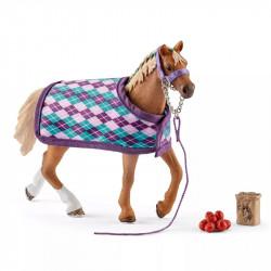 Schleich - Koń rasy angielskiej z kocem - 42360