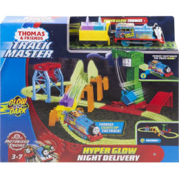 Tomek i Przyjaciele Trackmaster - Nocna dostawa - Zestaw świecący w ciemności GGL75